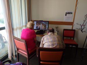 """conversation via """"skype"""" entre la Vallée et Les Charmilles"""