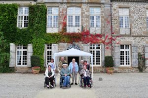 visite guidé  du château. on a  pu visiter les principales pièces, salons, salle à manger...et connaitre l'histoire du château.